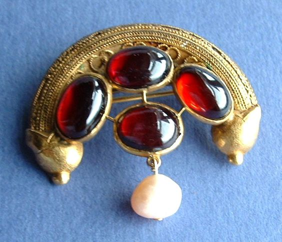 Etruscan Revival Brooch 22kt Gold Genuine Garnets Pearls 1880s Pin Handmade Pin Cannetile Mogul by JewelryDiscoveries on Etsy