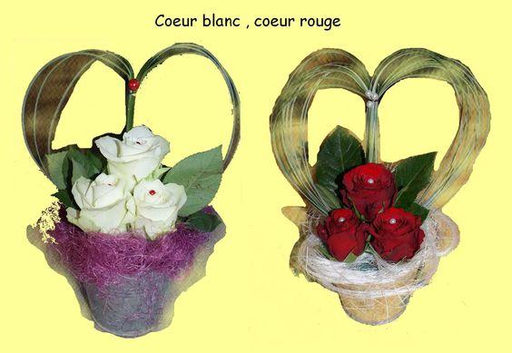 Cœur blanc et cœur rouge avec roses