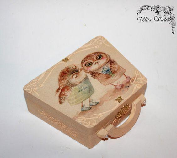 Koffer Schachtel BoxTascheHolztasche Holzkoffer von UltroViolet, €23.00