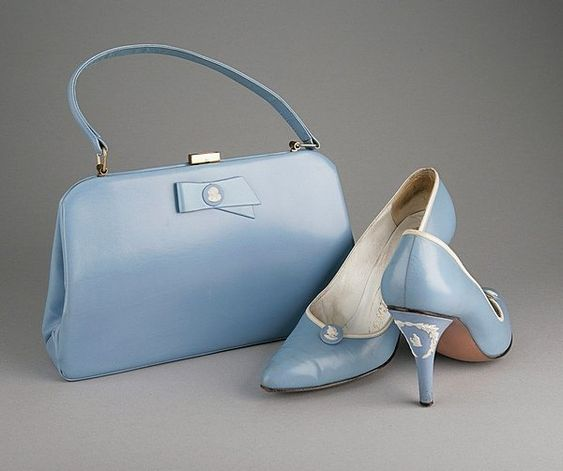 A pair of Rayne `Wedgwood' blue shoes and bag 1958