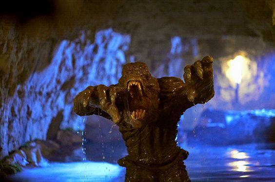 Afanc, demonul ucis de regele Arthur | Afanc este o fiinţă monstruoasă şi însetată de sânge, malefică din mitologia celtică care apare și în folclorul britanic. Descrierea ei însă variază. Uneori este descrisă arătând asemeni[...] | http://dezvaluiribiz.ro/afanc-demonul-ucis-de-regele-arthur/