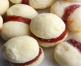 Resultado de imagem para cuca doce com farofa salgada
