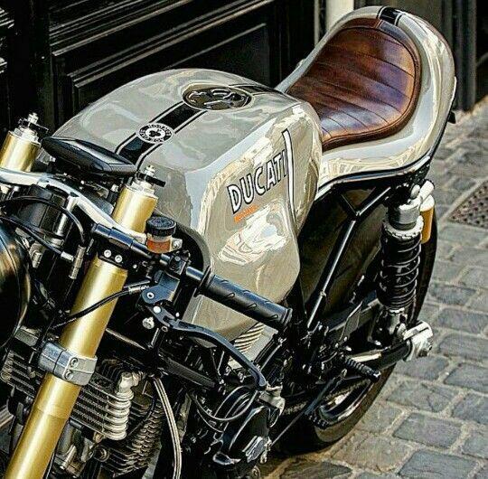 Ducati sport classic: