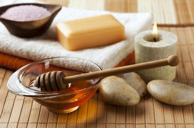 Save your skin with honey! Honey can help with acne, eczema, cuts, burns, scrapes, blemishes, aging/sun damage, sunburn, athlete's foot/fungal infections, and scars.