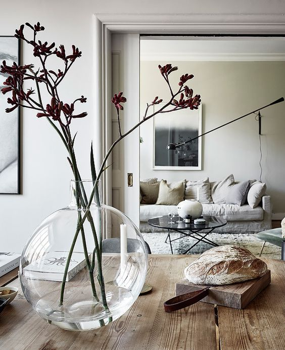A perfect mixture of styles - via Coco Lapine Design: