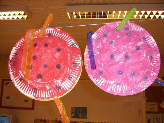 Muziekinstrumentje schuddoos nodig 2 kartonnen borden verf linten hoe borden schilderen - Hoe een verf kleur voorbereiden ...