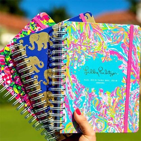 Lilly Pulitzer agendas are a great holiday gift idea and stocking stuffer! www.shopsandestin.com