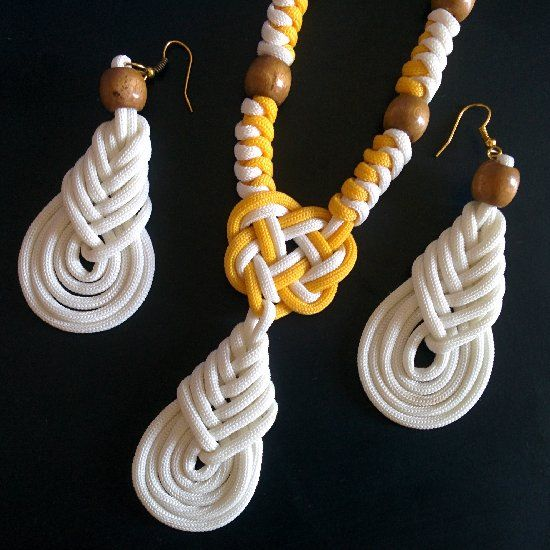 Learn how to make this awesome beach wear woven necklace and earrings using paracord.: