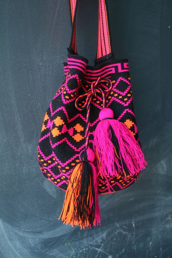Mochila Wayuu - Black, Hot Pink, Orange Multicolor #mochila #ethnic: