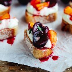 Cherry Peach Bruschetta with Honey Garlic Goat Cheese {recipe}