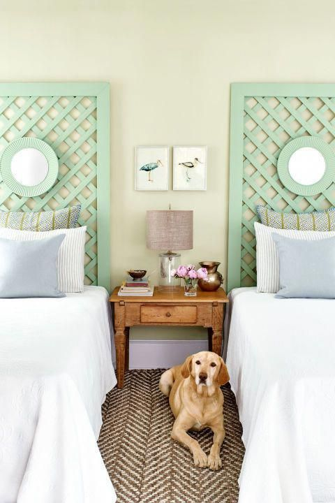 Pastel Trellis Headboard These Mint Green Trellis Headboards Pair Nicely With Crisp White Sheets And Pillows F Diy Spring Crafts Lattice Headboard Spring Diy