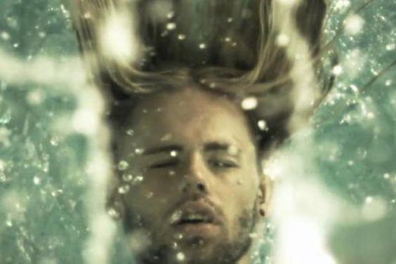 "Daniel Schuhmacher (GoodToGo 01. Aug 2013, ampya.com / aus dem Video ""Rolling Stone"")"