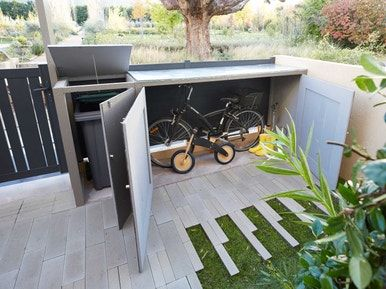 Realiser Un Abri Pour Les Velos Et La Poubelle Abri Velo Exterieur Amenagement Jardin Devant Maison Abris Poubelle