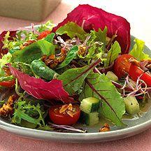 Salade de radis et cacahuètes.