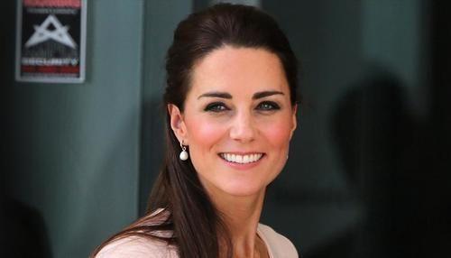 """Spettacoli: #Kate #Middleton presto #terza gravidanza: \""""Vuole 3 figli vicini d'età\"""" (link: http://ift.tt/1X44cxO )"""