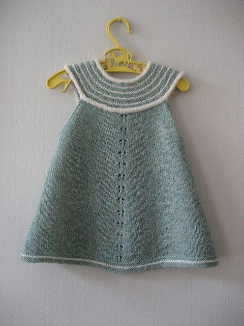 Ravelry: Feliga's Girls top - light green::
