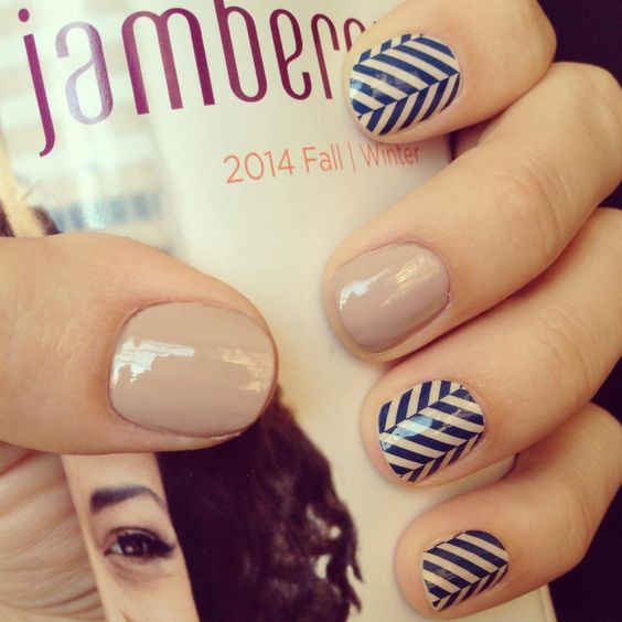 ~Slatted Herringbone & Barely There Lacquer http://gotjamberrynails.jamberrynails.net/
