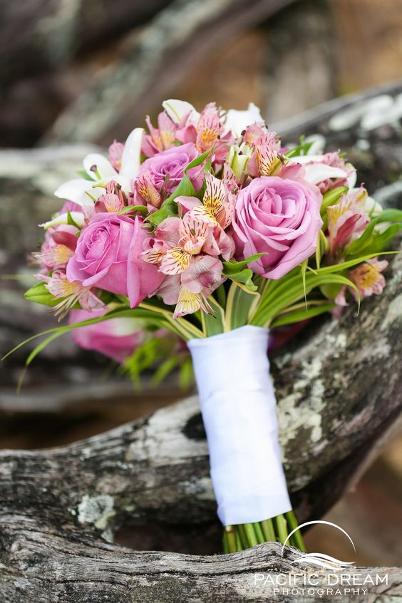 Wedding Bouquet, Wedding Flowers, Bridal Bouquet, Flowers, Flower Arrangements...... Weddings, Wedding in Hawaii, Beach Wedding, Hawaii Wedding Photographer, Weddings, Oahu Wedding, Kauai Wedding, Maui Wedding.