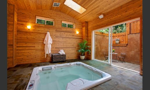 Indoor Hot Tub Room Yes Please Home Pinterest