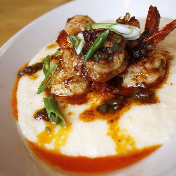 Happy Mardi Gras! Come celebrate with us at the 5 Spot tonight at 7pm for our New Orleans style talent show! And not to mention our NOLA menu debuts.....#ShrimpNGrits #5Spot #MardiGras #NewOrleans #EatSeattle #TalentShow