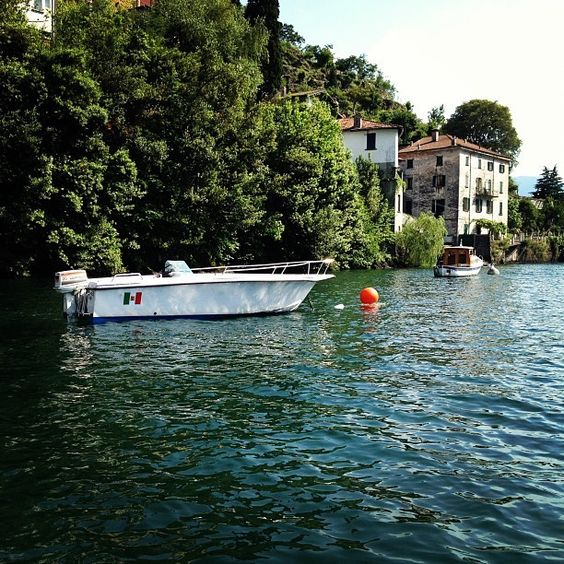 This 18th century old Palazzo is situated directly at Lake Como. The house has two apartments for rent. As a guest you can use the quiet and spacious (shared) garden which is also directly at the lake. The house is in ...