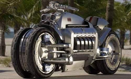 Dodge Tomahawk V10 superbike (U.S. $ 550,000, or about USD 4.99 billion). Business machines with a capacity of up to 8,300 cc engine with V10 configuration Dodge Viper supercar that is the pride of Chyrsler in the early 1990s, this bike would be like a bullet.