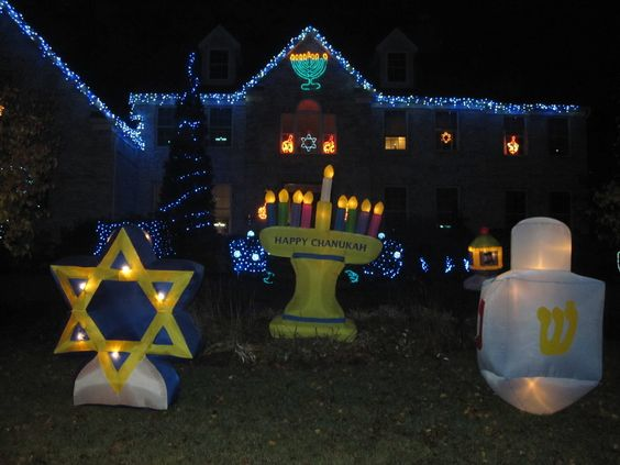 Outdoor Hanukkah Decorations