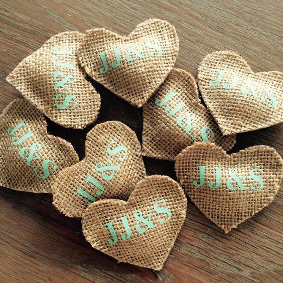 Jute hart corsage met initialen   zowel voor volwassenen als kinderen
