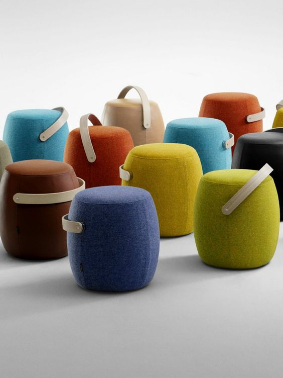 Carry on and poufs on pinterest for Pouf design contemporain