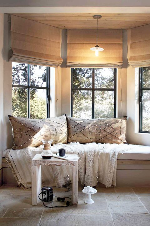 20 Window Seats So Cozy We D Never Want To Leave In 2020 Reading Nook Window Seat Living Room Windows Sitting Room Design