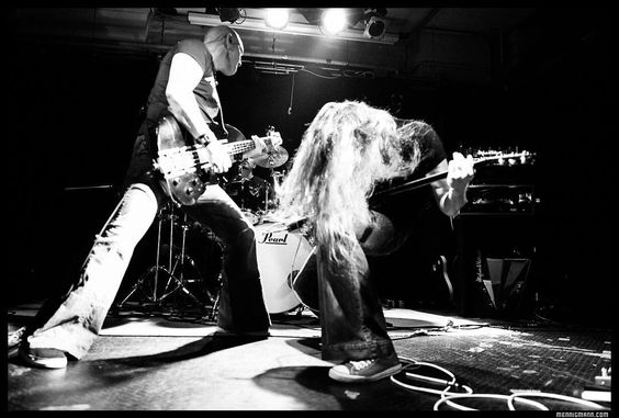 I've been told that somewhere under this hair there musst be a guitarist ... #axelritt #the_real_ironfinger #hughesandkettner #rootsofcompassion #emgpickups #fameguitars #cordialcables #koenigundmeyer #digitech #flaxwoodguitars #vgsguitars #digitech #caerstraps #loxx #dbzguitars #peavey #gravitystands #ineargermany #lagguitars #herculesstands #rutano #deeflexx #brennereiziegler #gravedigger #domain #monstergroove #dasbernsteinzimmer