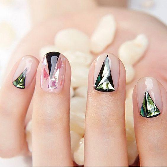 Le Nail Art Diamant Est la Nouvelle Folie Coréenne Que Vous devriez Essayer