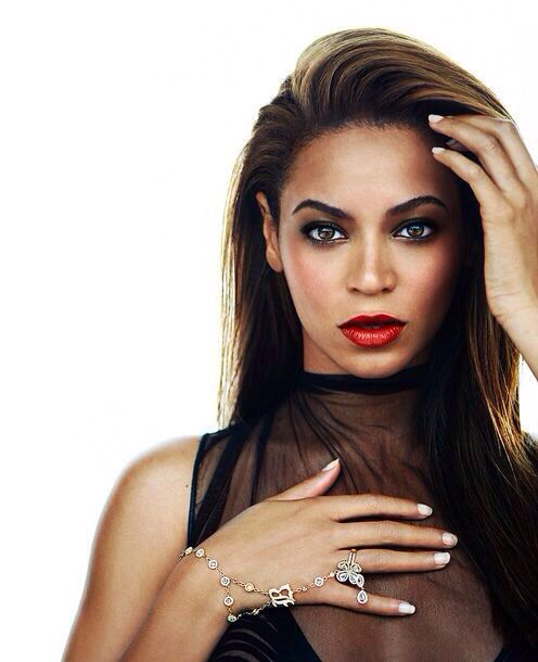Beyonce as the Queen of Hearts. Entrepreneur's Lifestyle