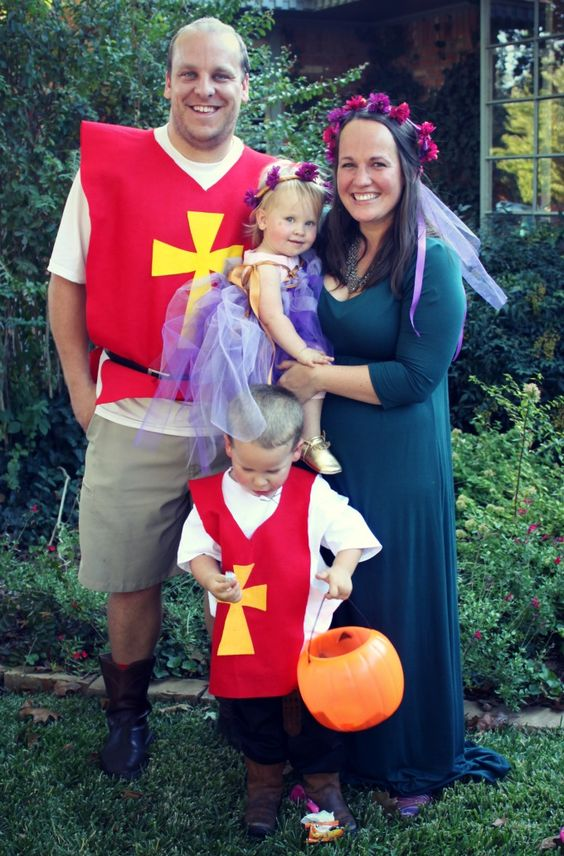 We love family Halloween costumes, so this year we went medieval with DIY knight and princess costumes.