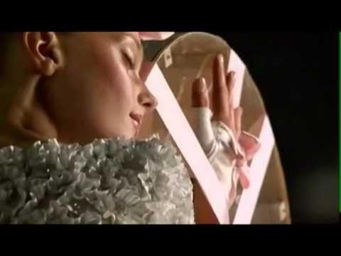 Chanel Chance Eau Tendre par Jean Paul Goude avec Sigrid Agren.