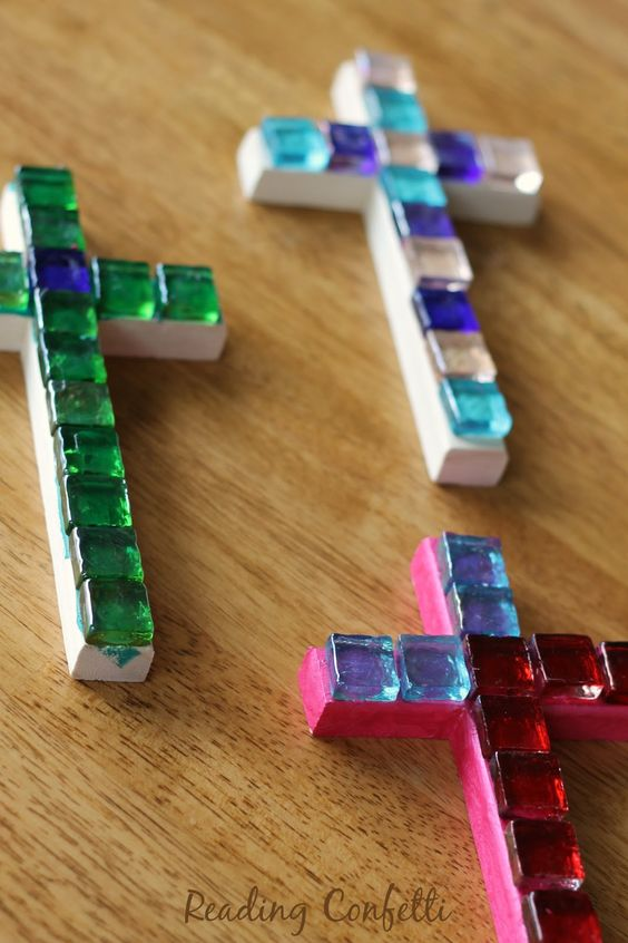 Easy and inexpensive mosaic crosses kids can make to give for Cross craft for kids