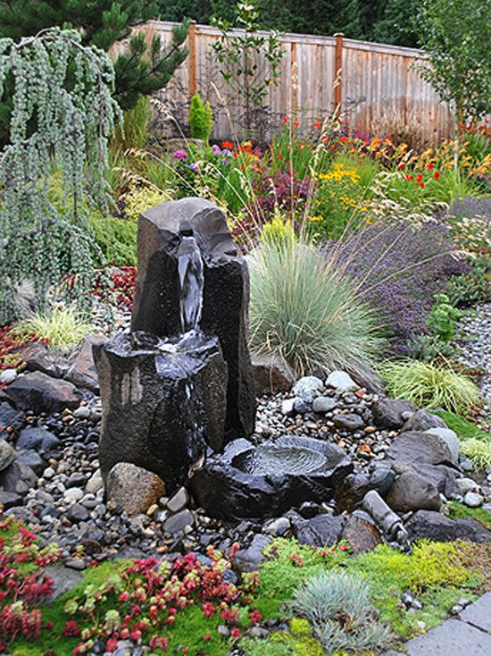 Lots of visual interest in this garden - Cyan Landscaping in Snohomish, Washington