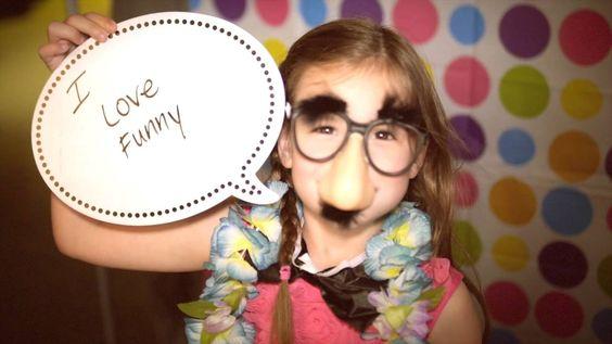 Photobooth Fun with Teddy Bear Portraits! #fun #photobooth #props #preschool #kids #daycare #activity
