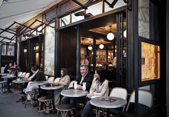 Extérieur  Terrasse  Les Antiquaires Paris #cafe #