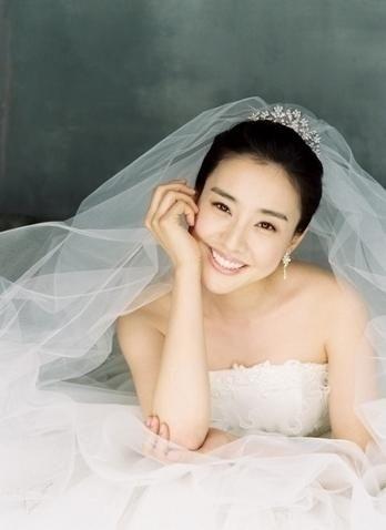 Makeup Wedding Korean Style : Korean wedding hair, Korean wedding and Korea on Pinterest