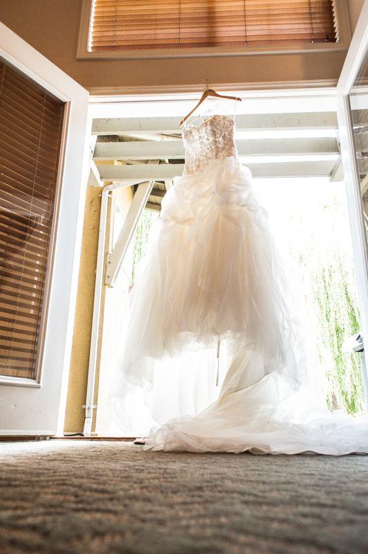 Kelowna Okanagan Wedding Photographer Okanagan Photography captured this beautiful wedding at The Manteo in Kelowna, B.C. www.okanaganphotography.ca www.facebook.com/contractphotography #kelownawedding #manteoresort #okanaganphotography