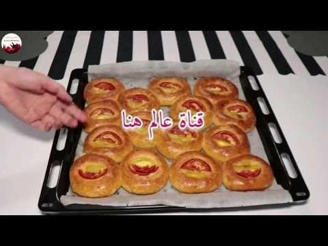 قناة عالم هنا اعملى فطائر البيتزا بعجينة مميزة مع طريقة تشكيل مم Food Breakfast Waffles