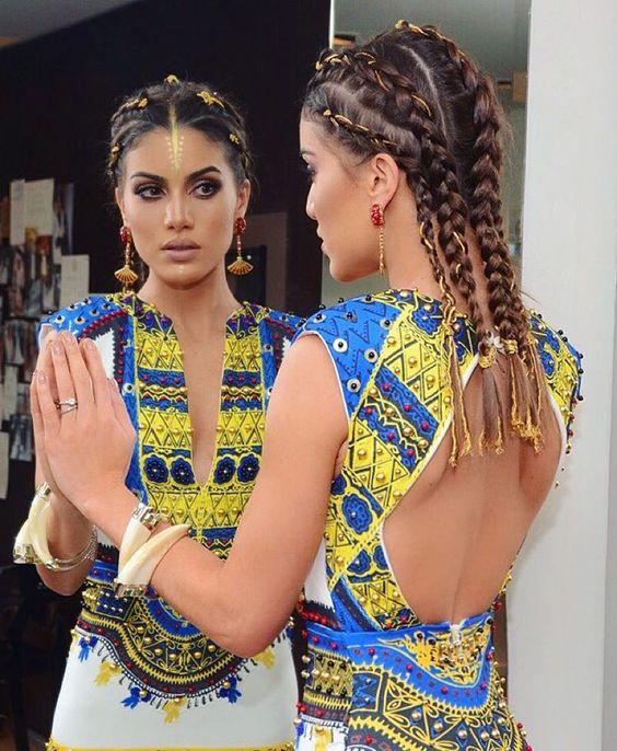 Close up!✨ Detalhes! Vestido @trinitacouture e as joias são @isabellablancojoias  #bailevogue2016 #PopAfrica @voguebrasil (: @rodrigo.zorzi):