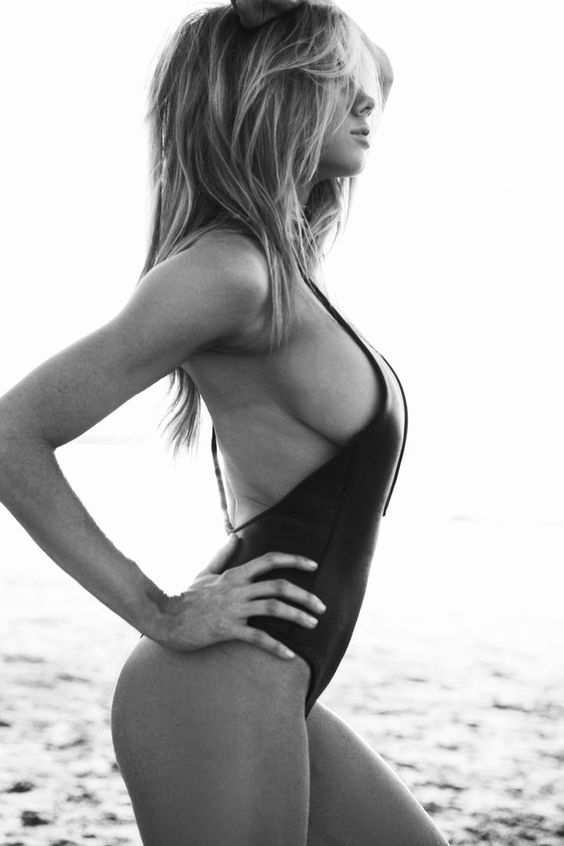 Charlotte McKinney is the sexiest supermodel in the world. #charlotte #mckinney