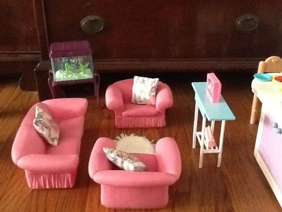 Pink Barbie living room