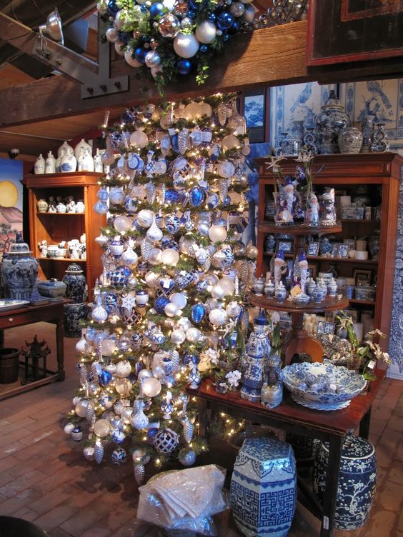 Chinoiserie Chic: A Blue and White Chinoiserie Christmas: