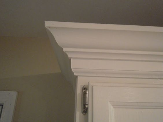 Oak cabinets crowns and honey on pinterest for Oak crown molding for kitchen cabinets