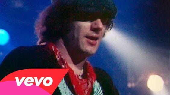 AC/DC - T.N.T. (Live Version, Filmed December 21, 1981) (ღ˘⌣˘ღ) ♫・*:.。. .。.:*・