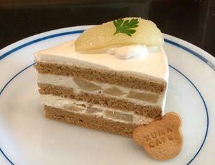 洋梨の黒糖ショートケーキ