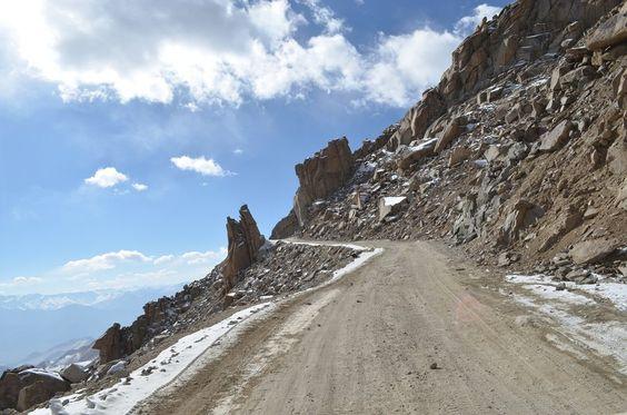 Mt Khardungla Pass, Ladakh | Stayzilla